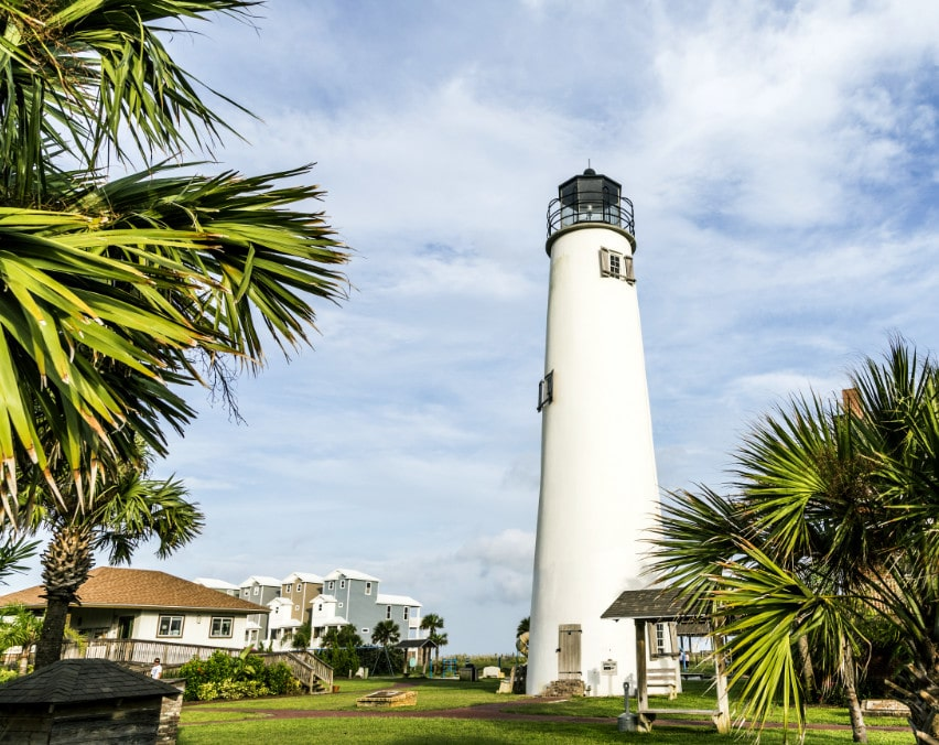 climb the lighthouse when you stay at st. george island hotels