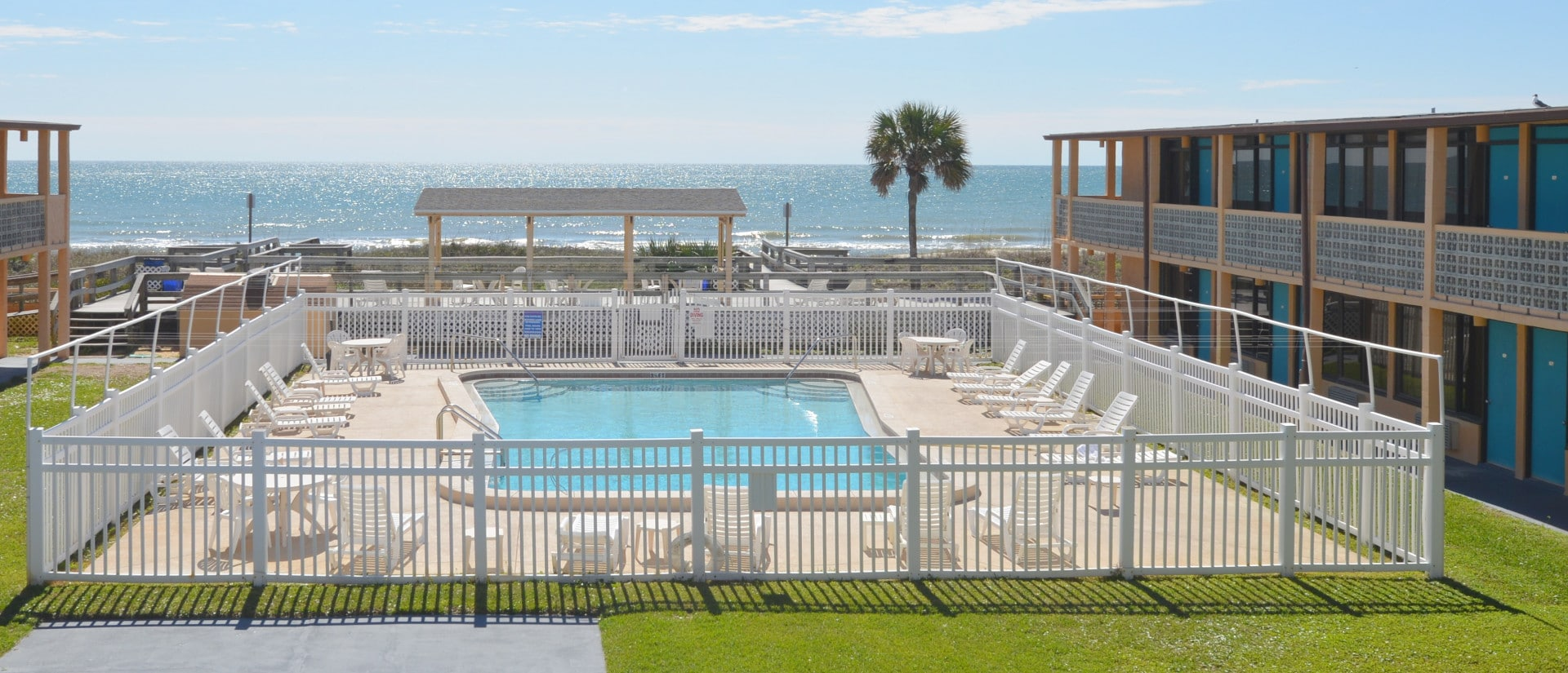 st. george island hotels - Beachfont view Buccaneer inn